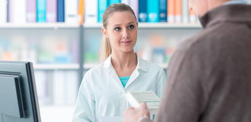 cuanto cobra un auxiliar de farmacia