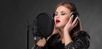 los registros de voz en el doblaje profesional